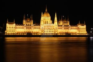 Parliament at Night by gabor0928