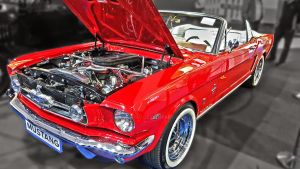 Red Mustang by Selket47