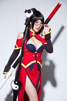 Litchi Faye Ling Cosplay Stare by VampBeauty