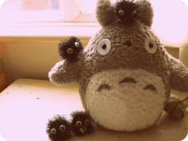 Totoro and the Soot Sprites by KisforKatieRose