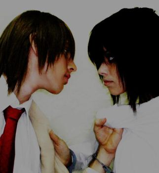 Light against Lawliet by byouin