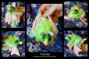 Fruit Bat by WormsandBones