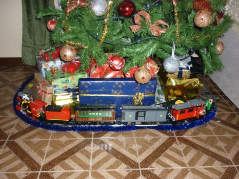 Lego Toy Story 3 Christmas Train 2 by commanderp5