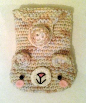 Crocheted bear cellphone cozy by luna-plateada