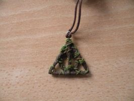 Deathly Hallows Necklace by EerieStir