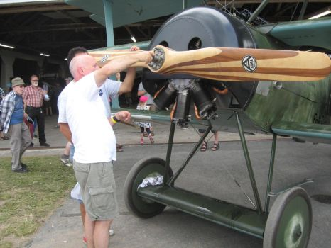 Removing prop from Fokker Dr.I replica by perttime