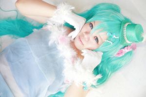 Vocaloid Cinnamon Roll - Miku by Xeno-Photography