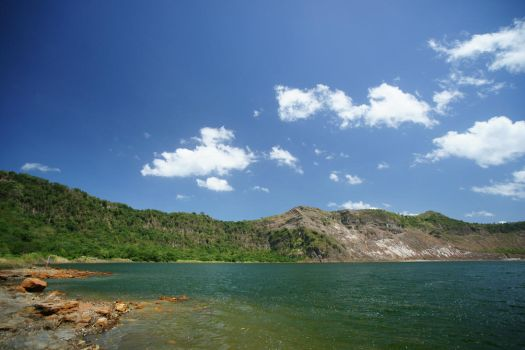 Taal Crater Lake by josephacheng