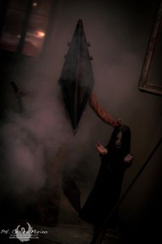 Pyramid head is coming... by CriminalViolet