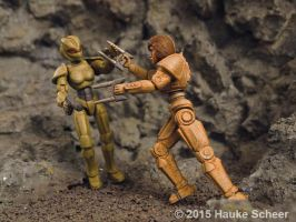 3D printed female robots fighting by hauke3000