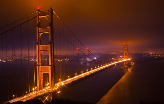 The Golden Gate Bridge at night by jefz