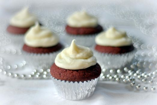 Red Velvet by MailleQueen
