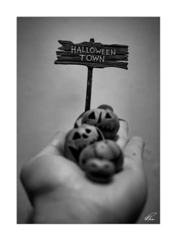 Halloween Town by iZgo