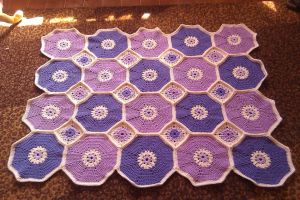 Octagons and Squares Throw by YunisUnis