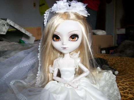 A beautiful bride on a messy bed x__x by Grens-Fairy