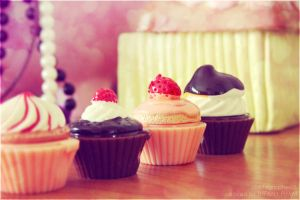 Cupcakes by TiffanyPham