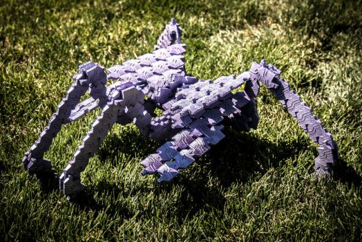 Replicator Bug Statue by ronime