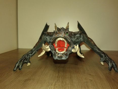 Game of Thrones Drogon sculpture 05 by TKnockers